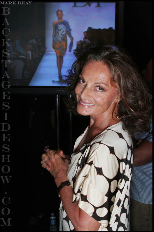 july09/markreayvdvf2.jpg